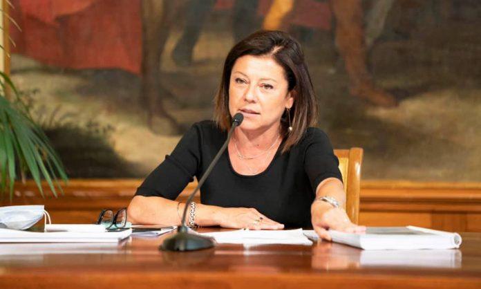 Paola de Micheli sul Ponte di Genova