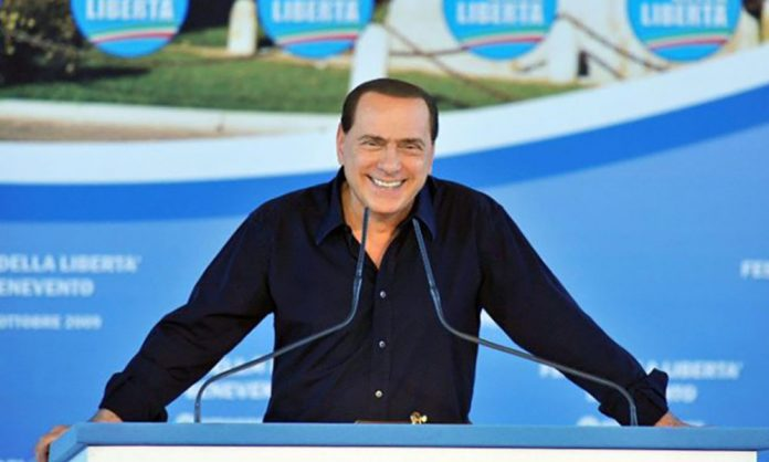 Silvio Berlusconi sostiene Caldoro