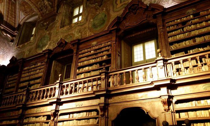 La Biblioteca dei Girolamini di Napoli