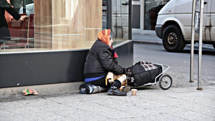 Campania, Sicilia e Calabria nella top ten delle Regioni Ue a rischio povertà