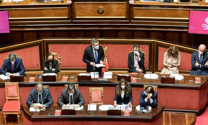 Il governo Draghi in aula al Senato