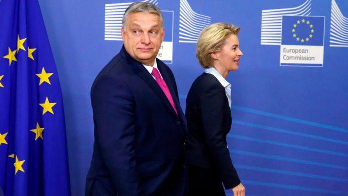 Viktor Orban e Ursula Von der Leyen