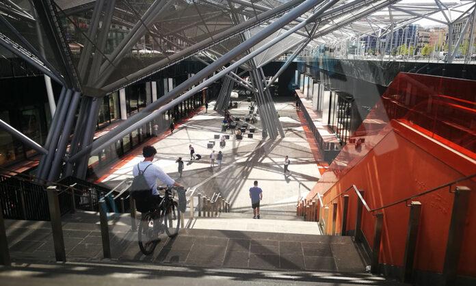 L'ingresso della stazione della metropolitana a piazza Garibaldi a Napoli