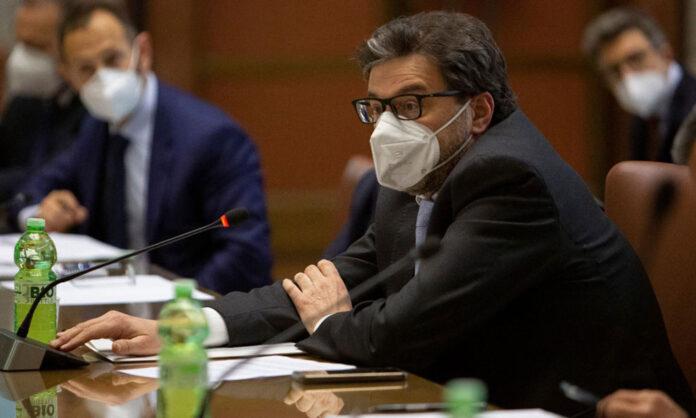 Il ministro Giorgetti (foto mise.gov.it)